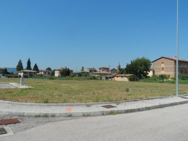 Castelnuovo d'Assisi: lotto edificabile